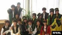 Tatarstan -- Umirzaya folk ansamble from Omsk in Kazan