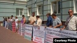 Пикеты предпринимателей в Ижевске уже стали регулярными. Фото Надежды Гладыш