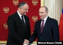 Președintele rus Vladimir Putin cu omologul său Igor Dodon la Moscova la 17 ianuarie