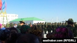 Harby kasam ediş dabarasy, Türkmenistan (arhiw suraty)