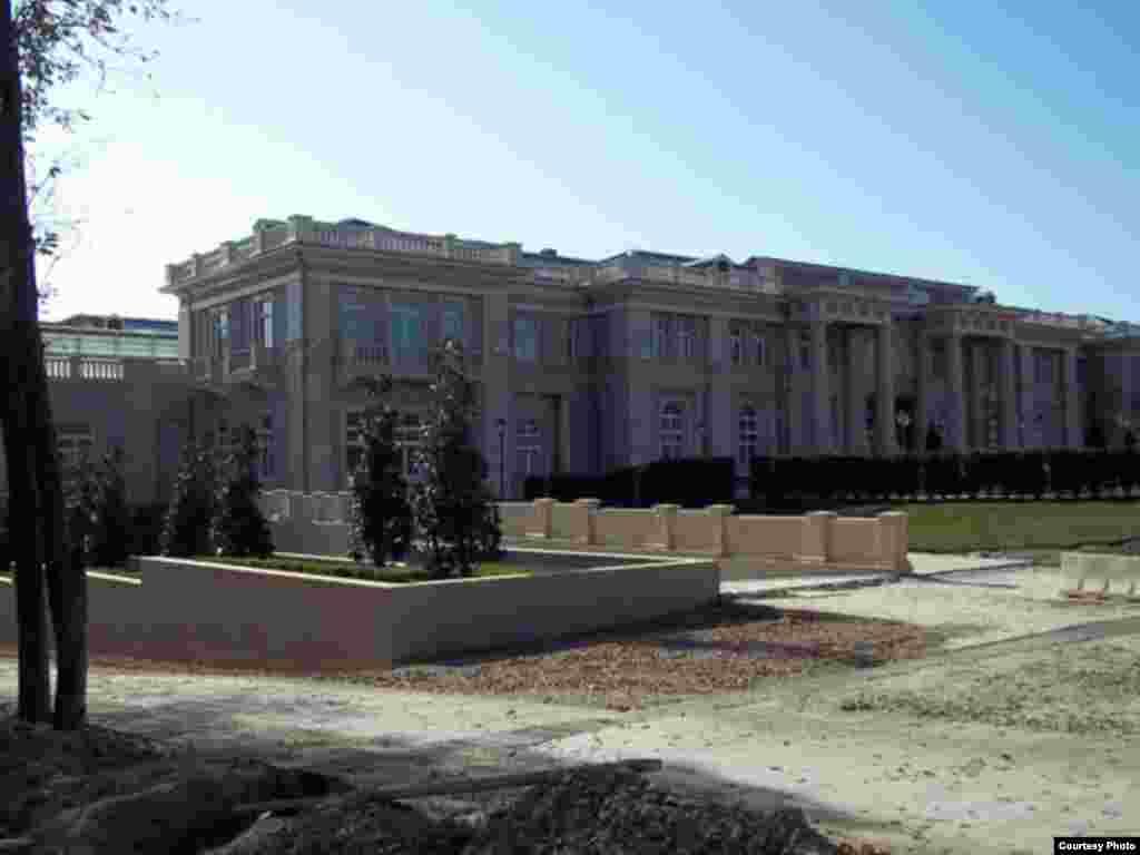 Фотографии предполагаемого «дворца Путина» в Прасковеевке на Черном море