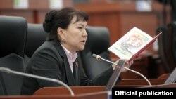 Депутат парламента Айнуру Алтыбаева.