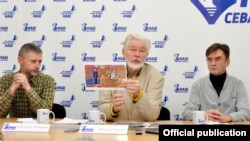 Севастопольские общественники Анатолий Туманов, Сергей Чижов и Глеб Якушин на пресс-конференции. Январь 2019 года