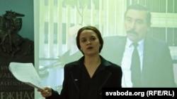 Марына Хоміч, сябра камітэту ў справе стварэньня грамадзкага аб'яднаньня Маладых хрысьціянскіх дэмакратаў, моладзевага крыла БХД, вядоўца вечарыны