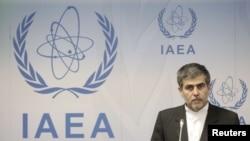 فریدون عباسی، رئیس سازمان اتمی ایران پیش از این گفته بود که آژانس اطلاعات ایران را در اختیار «تروریستها» میگذارد.