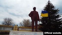 Памятник Ленину в станице Луганской