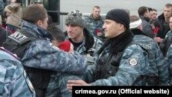 Святой «Беркут»: кого героизируют в Крыму?