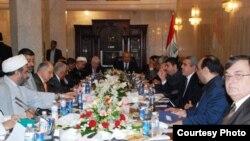 سياسيون عراقيون خلال احد اجتماعاتهم(من الارشيف)