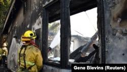 Izgorena kuća u području Getty požara