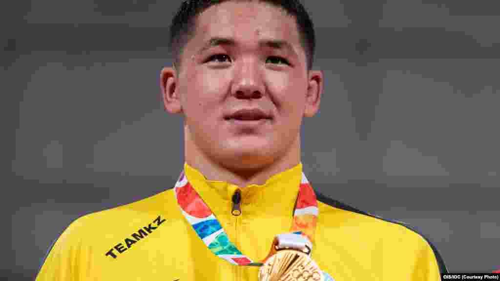 Золотая медаль Бекарыса - первая награда для Казахстана на юношеских Играх.