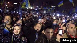 Ukraine - protesters on Independence Square in Kyiv sing the national anthem. roundup screen grab Euromaidan Euromaydan