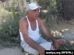 Жарылыстан зардап шеккен азаматтың әкесі Сайдулла Салибеков. Шымкент, 14 тамыз 2015 жыл.