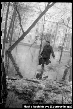 A flooded park in Leningrad in 1983