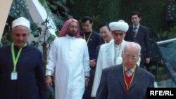 Участники заседания секретариата Съезда мировых религий. Астана, 2 декабря 2009 года.