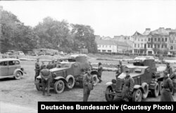 Польшаның Люблин қаласында СССР және Германия әскері кездескен сәт. 22 қыркүйек 1939 жыл.