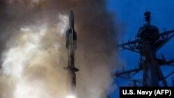 Испытания военными США противоракетной системы в Тихом океане, архивное фото