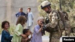 Майор 2-го батальона Королевских гуркских стрелков ВС Великобритании Джейми Мюррей, Афганистан, 14 июля 2011 года.