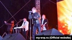 Российская группа «Белый орел» выступает в Крыму, Евпатория, 18 марта 2018 года