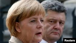 Ուկրաինա -- Գերմանիայի կանցլեր Անգելա Մերկելը (ձ) և Ուկրաինայի նախագահ Պետրո Պորոշենկոն, 23-ը օգոստոսի, 2014թ․
