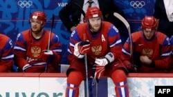 Хоккеист Александр Овечкин после поражения сборной России от команды Канады на Олимпиаде в Ванкувере, 24 февраля 2010 г