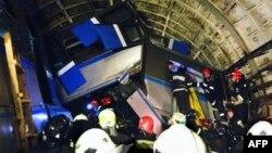 Спасательные работы после аварии в московском метро 15 июля