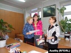 Регина укытучылары Галина Лобанова һәм Галина Белослудцева белән