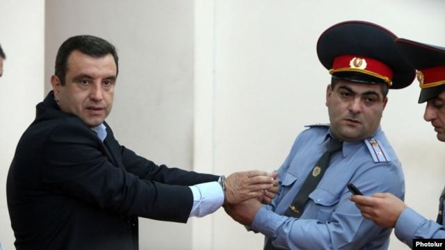 Armenia - Vartan Sedrakian, a former presidential candidate, is handcuffed at a Yerevan court after receiving a 14-year jail sentence, 23Sep2013.