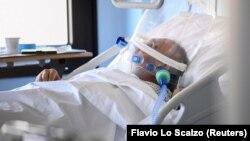 Një pacient me koronavirus në Itali. Foto arkiv