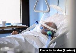 Пацієнт із COVID-19 в реанімації в італійському місті Кремона, 19 березня 2020