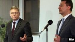 Прес-конференција на премиерот Никола Груевски и еврокомесарот Штефан Филе, април 2013.