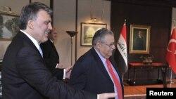 الرئيس التركي غل يستقبل الرئيس طالباني في انقرة