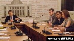 Зустріч представників громадських організацій з представниками міжфракційного депутатського об'єднання «Крим» у Верховній Раді України. 26 грудня 2014