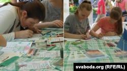 Дзеці малююць «зялёную» школу