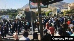 تجمع اعتراضی علیه تیراندازی به کولبران در بانه