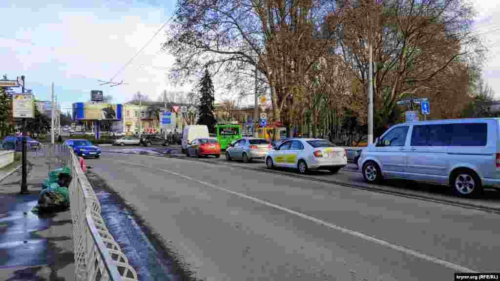 Движение в сторону кольца со стороны проспекта Кирова