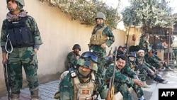 جنود عراقيون يشاركون في عملية عسكرية ضد مسلحين بغرب البلاد