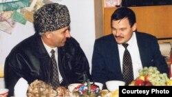 Аслан Масхадов белән Рәфис Кашапов очрашуы (архив фотосы)
