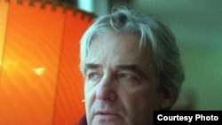 """Анджей Жулавски получил кинематографическое образование во Франции, куда потом, в середине семидесятых годов, уехал в эмиграцию. [Фото — <a href=""""http://www.filmpolski.pl"""" target=""""_blank"""">FILMPOLSKI.PL</a>]"""