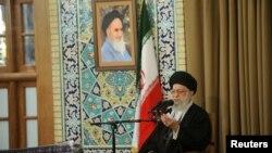 به گفته علی خامنهای، با برگزاری انتخابات در کشور «همه ملت احساس میکنند که کلید کارهای کشور در دست خودشان است».