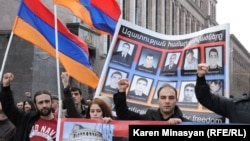 Armenia -- Opposition supporters pay tribute to victims of March 1, 2008 violence in Yerevan, 01Mar2013.