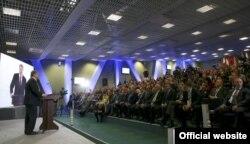 Виступ Петра Порошенка під час Міжнародного економічного форуму. Львів, 3 листопада 2016 року. Джерело: офіційна сторінка Адміністрації президента України у Facebook