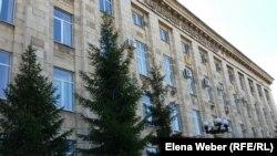 Здание Карагандинского областного суда.