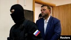 Никита Белых в Басманном суде Москвы
