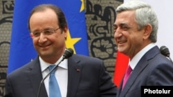 Ermənistan prezidenti Serzh Sargysan (sağda) və Farnsa prezidenti Francois Hollande Yerevanda. 13 may 2014