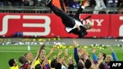 2011-ci ildə Manchester United klubuna 3-1 qalib gələn Barcelona oyunçuları və Pep Guardiola