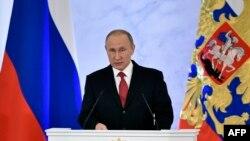 Владимир Путин Ресей федералдық кеңесінде жыл сайынғы үндеуін жариялап тұр. Мәскеу, 1 желтоқсан 2016 жыл.