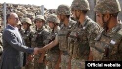 Պաշտպանության նախարար Սեյրան Օհանյանը այցելում է Զինված ուժերի զորամասերից մեկը, արխիվ