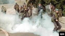 Судири меѓу полицијата и демонстрантите во Белград на 5 октомври 2000
