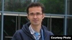 تصویری از امید کوکبی، فیزیکدان جوان و زندانی ایرانی