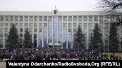 Ілюстраційне фото. В мітингу 10 травня, за повідомленнями, намагалися взяти участь близько сотні осіб